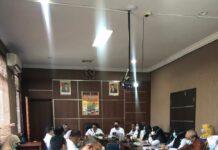 Rapat persiapan verifikasi Anugerah Parahita Ekapraya 2020 di Kantor Baperlitbang Pemkab Karimun. Foto Suryakepri.com/IST