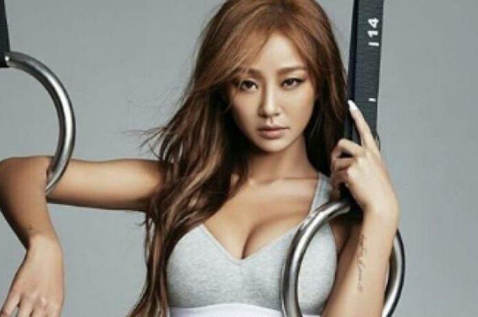 Kim Hyo-jung, lebih dikenal dengan nama panggung Hyolyn, adalah penyanyi dan penulis lagu Korea Selatan berzodiak Sagitarius. (Foto: Instagram)