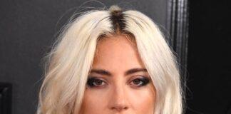 Stefani Joanne Angelina Germanotta, yang dikenal secara profesional sebagai Lady Gaga, adalah seorang penyanyi, penulis lagu, dan aktris Amerika Serikat. Dia dikenal karena penemuan kembali citra dan keserbagunaan musiknya. Lady Gaga mulai tampil saat remaja, bernyanyi di malam mic terbuka dan berakting di drama sekolah. Lahir pada 28 Maret 1986 (umur 35 tahun), di Lenox Hill Hospital, New York, Amerika Serikat. Dia berzodiak Aries seperti kamu yang berulangtahun hari ini.(Wikipedia)