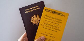 Uni Eropa akan menerapkan ''paspor vaksin' untuk memungkinkan orang melakukan perjalanan dan kemungkinan lainnya.