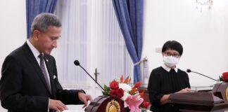 Menteri Luar Negeri RI Retno L.P. Marsudi dan Menteri Luar Negeri Singapura Vivian Balakrishnan melakukan pertemuan bilateral untuk membahas kerja sama antara kedua negara. (Foto: Kementerian Luar Negeri)