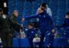 Manajer MU Ole Gunnar Solskjaer (kiri tengah) melakukan toast dengan manajer Chelsea Thomas Tuchel usai Chelsea dan MU bermain imbang 0-0 di Stamford Bridge, London, Minggu (28/2/2021) atau Senin dinihari waktu Indonesia. (Foto: Premierleague.com)