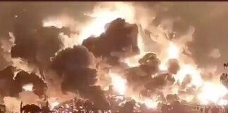Kobaran api yang membakar kilang minyak Pertamina di Balongan, Indramayu, Jawa Barat, Senin (29/3/2021) dinihari. (Foto dari Twitter)