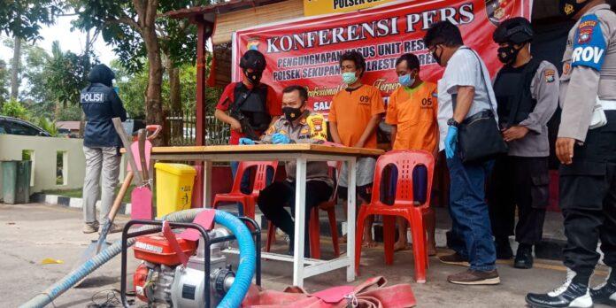 Pelaku pembakaran hutan lindung, di wilayah Sei Temiang, Tanjungriau Selasa (2/3/2021) siang kemarin.