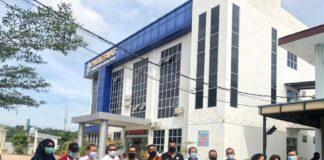 Foto Perhimpunan pariwisata yang berbasis di Batam mendapatkan imunisasi vaksin Covid-19 bertempat di Puskesmas Lubuk Baja, Rabu (3/3/2021).