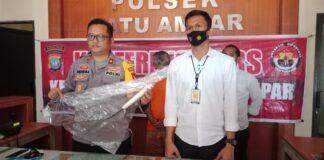 Icen (48), dibekuk pihak kepolisian Polsek Batuampar, Minggu (14/2/2021) lalu