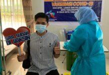 Salah seorang Duta BPJS Kesehatan Tanjungpinang saat divaksin (Suryakepri.com)
