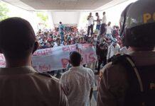 Dok. aksi unjuk rasa PKNTT Batam mengenai dugaan ujaran rasisme dua anggota DPRD Batam