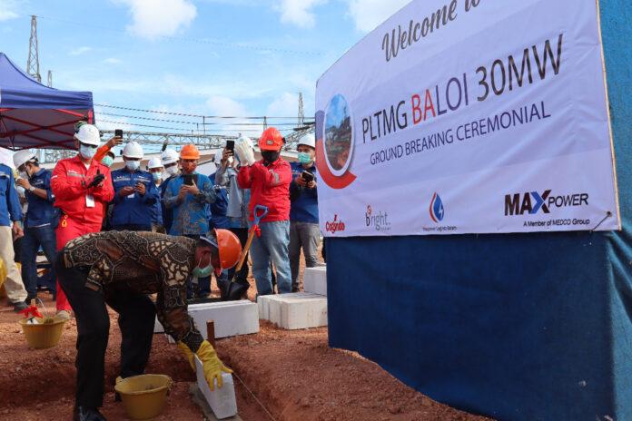 Peletakan batu pertama (ground breaking) pembangunan Pembangkit Listrik Tenaga Mesin Gas (PLTMG) 30 Mega Watt (MW) pada Jumat (12/03/2021) di Baloi.