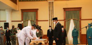 Pelantikan Walikota dan Wakil Walikota Batam oleh Gubernur Kepri Ansar Achmad di Gedung Daerah Kepri Tanjungpinang, Senin (15/3/2021) pagi.