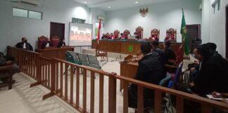 Sidang pembacaan vonis 12 terdakwa kasus tambang bauksit di PN Tipikor Tanjungpinang (Suryakepri.com/Muhammad Bunga Ashab)