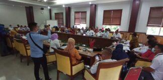 Kader Posyandu dari empat Kecamatan mendatangi Komisi I DPRD Kota Batam, Rabu (24/3/2021).