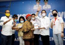 Sebanyak 250 orang warga Kota Batam, Kepulauan Riau untuk kategori Lanjut Usia (lansia) resmi mendapatkan vaksin Covid-19 dosis I, bertempat di D'stream Ballroom Hotel Seruni, dan difasilitasi L&K Charity Group.