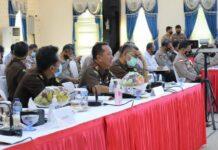 Kajati Kepri Hari Setiyono saat rapat kerja dengan Komisi III di Batam (Suryakepri.com/ist)