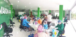 Vaksinasi Mitra Gojek di Kota Batam
