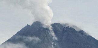 Ilustrasi gunung merapi. Pada Sabtu (27/3) gunung yang terletak di perbatasan DIY dan Jawa Tengah itu mengeluarkan tujuh kali awan panas. (Antara Foto/Andreas Fitri Atmoko)