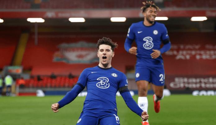 Mason Mount melakukan selebrasi usai membobol gawang Liverpool dalam kemenangan 1-0 di Anfield, Kamis (4/3/2021) atau Jumat dinihari waktu Indonesia. (Foto: Chelseafc.com)