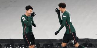 Heung-min Son dan Dele Alli melakukan selebrasi setelah kerjasama keduanya menghasilkan gol dalam kemenangan 1-0 di kandang Fulham. (Foto: Premierleague.com)
