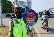 Jajaran Satlantas Polresta Barelang turun ke jalan menggelar operasi keselamatan, untuk membantu program utama pemerintah mencegah Covid-19.