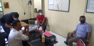 Pelaku saat diamankan di Polsek Tanjungpinang Barat (Suryakepri.com)