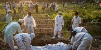 Banyak krematorium di India kewalahan untuk melakukan kremasi untuk mereka yang meninggal karena Covid-19.(kompas.com/AP PHOTO)