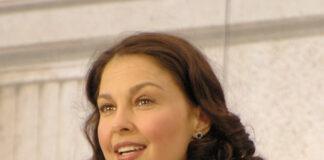 Ashley Jude lahir di Granada Hills, California, Amerika Serikat pada 19 April 1968 (umur 52 tahun), atau berzodiak Aries.