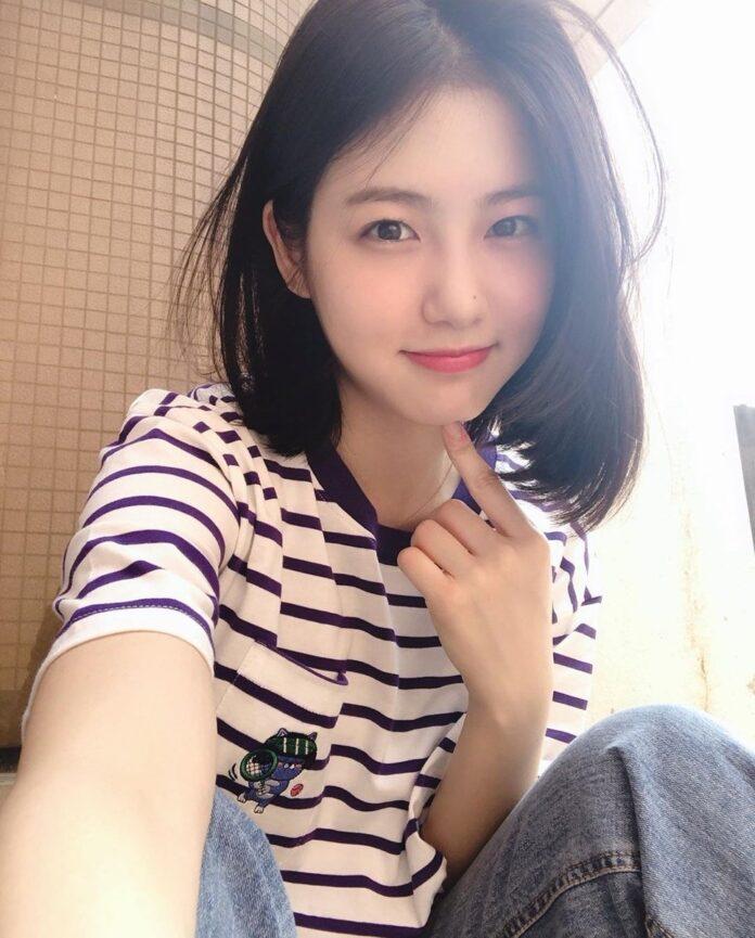 Shin Ye-eun adalah seorang aktris Korea Selatan, terkenal karena perannya dalam serial web A-Teen dan sekuelnya A-Teen 2. Dia juga membintangi serial televisi He Is Psychometric, Welcome, dan More Than Friends. Lahir di Sokcho-si, Korea Selatan pada 18 Januari 1998 (umur 23 tahun), atau berzodiak Capricorn.