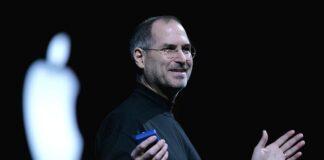 Steve Jobs, co-founder, CEO, dan pimpinan perusahaan Apple Inc. Dia lahir pada 24 Februari 1955 atau berzodiak Pisces. Kekayaan bersih sebelum ia meninggal (5 Oktober 2011) adalah 10,2 miliar dolar AS.