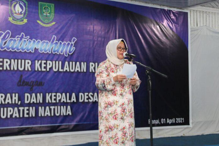 Wakil Gubernur Kepri, Marlin saat menghadiri Malam Ramah Tamah bersama Camat, Lurah dan Kepala Desa Se-Kabupaten Natuna di Sisir Basisir, Ranai, Kamis (1/4) malam.