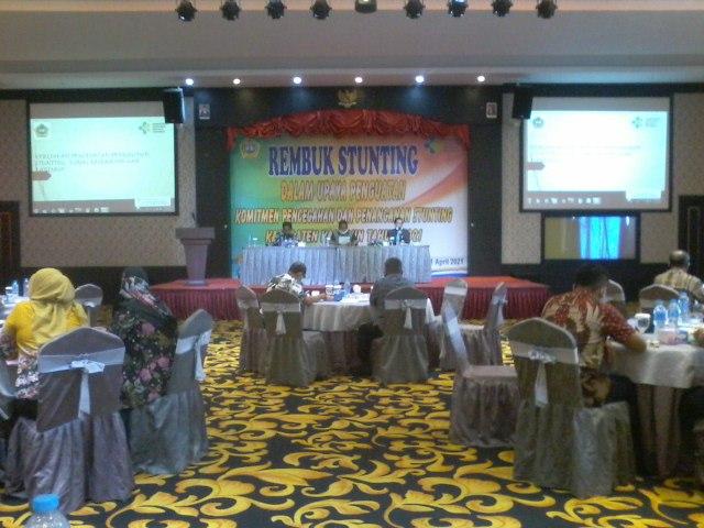 Suasana Rembuk Stunting yang digelar Dinas Kesehatan Karimun di Hotel Aston, Kamis (1/4/2021). Foto Suryakepri.com/IST