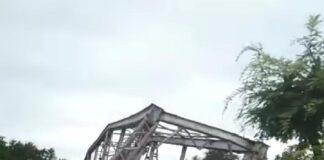 Jembatan ambruk, banjir bandang di Flores Timur, Minggu (04/04/2021)