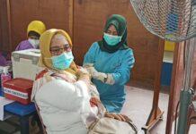 Progres vaksinasi terhadap guru di Sekolah Yos Sudarso Batam (dok)