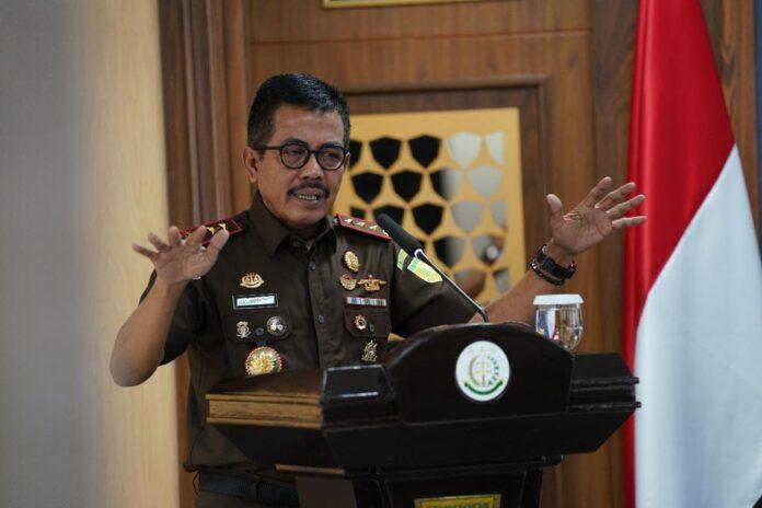 Wakil Jaksa Agung RI. Setia Untung Arimuladi saat memberikan pengarahan (Suryakepri.com)