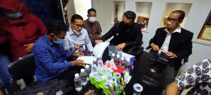 Sembilan anggota Peradi Batam Raya, Batam, Kepulauan Riau resmi ditunjuk oleh keluarga Siprianus Apiatus bin Philipus (27), warga binaan Rutan Kelas II A,