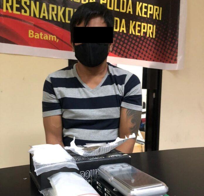 Ditresnarkoba Polda Kepri meringkus satu orang pria berinisial Y, dikos-kosan Bengkong Harapan II, pada Rabu (14/4/2021) sore.