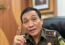 Kapuspenkum Kejagung Leonard Eben Ezer Simanjuntak (Suryakepri.com)