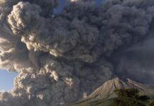 Warga Diminta Tinggalkan Zona Merah, Kabar Terbaru Pasca Erupsi Gunung Sinabung. liputan6.com ©2021 Merdeka.com