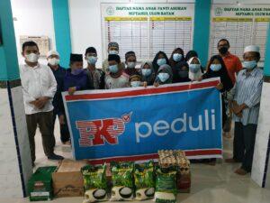 Foto Tim CSR & promosi PKP di salah satu panti