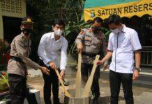 Satnarkoba Polresta Barelang musnahkan barang bukti 87,97 gram sabu, dari tiga tersangka yang salah satunya anggota polisi Polres Tanjungpinang, Rabu (14/4/2021) siang.