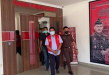 Kepala Dinas Perhubungan (Kadishub) Kota Batam, Kepulauan Riau, Rustam Efendi resmi ditetapkan sebagai tersangka tindak pidana korupsi oleh Kejaksaan Negeri (Kejari) Batam.