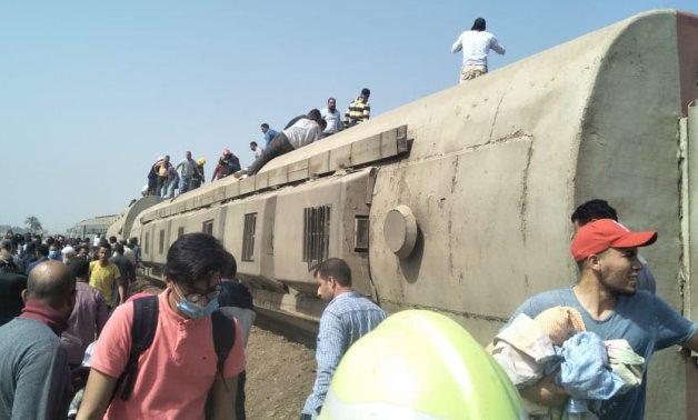 Kereta api tergelincir di Mesir, 11 tewas, 98 luka-luka, Minggu (18/04/2021)/ Foto: egypttoday.com