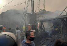 Kebakaran di Pasar Kambing, Tanah Abang, Jakarta, Kamis (8/4/2021).