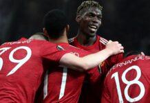Paul Pogba (tengah) bersama rekan satu timnya merayakan gol kelima yang dicetaknya ke gawang AS Roma pada Leg I semi final Liga Eropa 2020/21 di Old Trafford, Kamis (29/4/2021) atau Jumat dinihari waktu Indonesia. MU menang 6-2 di laga ini. (Foto dari Sky Sports)