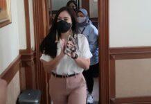 Wulan Guritno menghadiri sidang perdana gugatan cerainya di Pengadilan Agama Jakarta Selatan, Kamis (18/3/2021). (Wartakotalive.com/Arie Puji Waluyo)