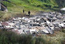 Rumah guru yang dibakar KKB di Kampung Dambet, Distrik Beoga, Kabupaten Puncak, Papua, Sabtu (17/4/2021).(HUMAS SATGAS NEMANGKAWI)