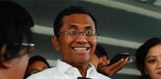 Prof. Dr. Dahlan Iskan, adalah mantan CEO surat kabar Jawa Pos dan Jawa Pos Group yang bermarkas di Surabaya, Jawa Timur. Posisi tersebut kemudian digantikan oleh putranya, Azrul Ananda. Ia pernah menjadi Direktur Utama PLN dan diangkat sebagai Menteri BUMN. Dahlan Iskan lahir di Magetan pada 17 Agustus 1951 (usia 69 tahun), atau berzodiak Leo.