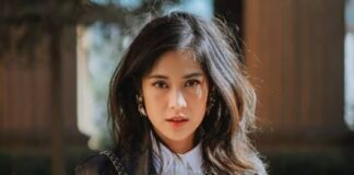 Diandra Paramita Sastrowardoyo, S.Fil., M.M. yang populer dengan nama Dian Sastrowardoyo atau Dian Sastro adalah seorang aktris dan model berkebangsaan Indonesia. Ia meraih kepopuleran setelah tampil dalam film Pasir Berbisik di tahun 2001, dan sebagai Cinta dalam film Ada Apa Dengan Cinta? pada tahun 2002. Dian Sastro lahir di Jakarta pada 16 Maret 1982 (usia 39tahun),atau berzodiak Pisces.