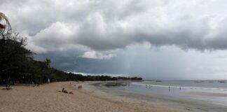 Pantai Kuta yang sepi/ tempo.co