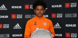 Shola Shoretire, pemain muda MU berusia 17 tahun dinobatkan sebagai Pemain Muda Terbaik Jimmy Murphy untuk musim 2020/21 minggu lalu.(Foto: manutd.com)