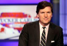 Tucker Carlson, pembawa acara talk show politik Tucker Carlson Tonight di Fox News. Dia mendesak Dr Anthony Fauci diselidiki terkait asal-muasal virus corona.